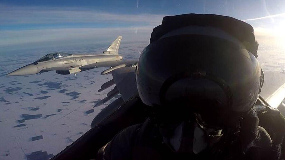 Pilotos del Ejército del Aire, en su despliegue en los Países Bálticos
