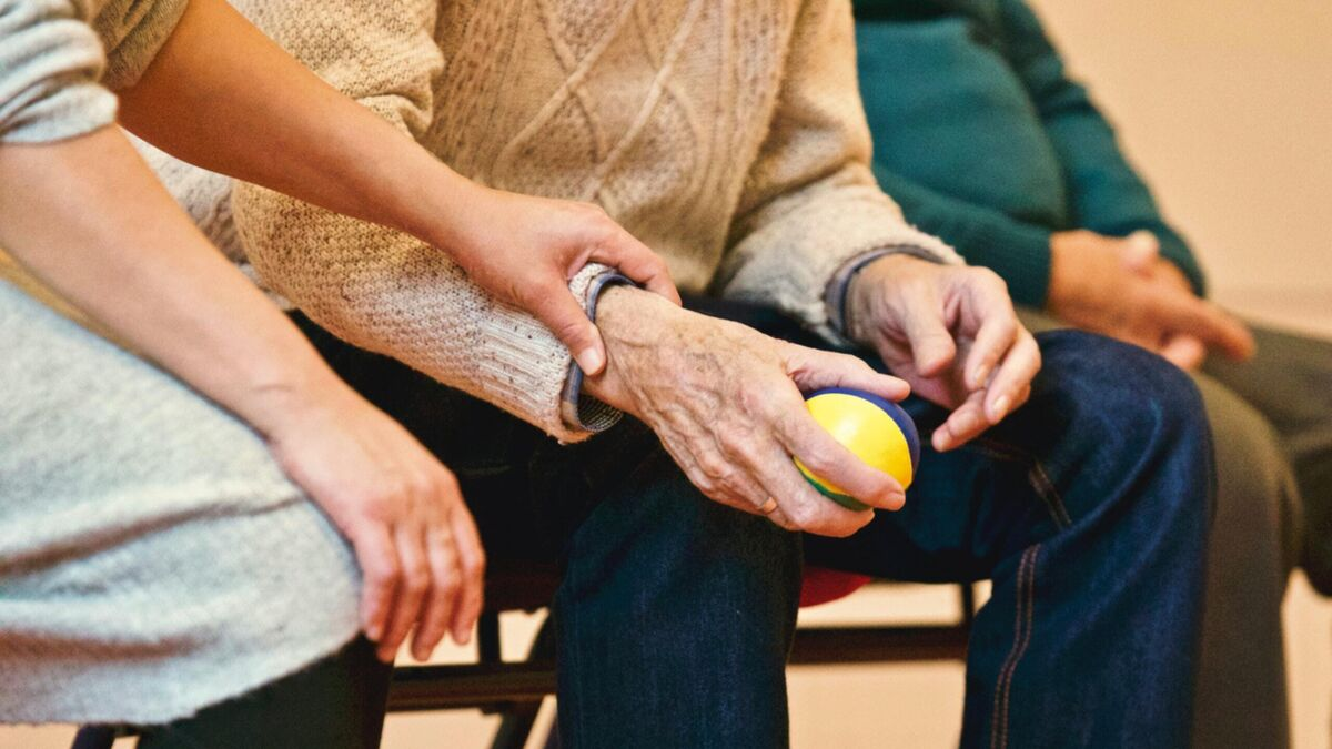 España sufre un exceso de 16.000 dependientes fallecidos en sus casas desde marzo