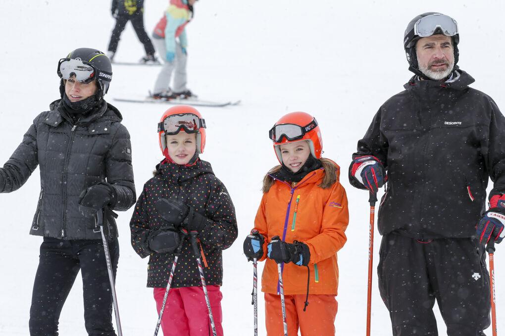 Los Reyes no fueron a los Goya porque pasaron el finde esquiando