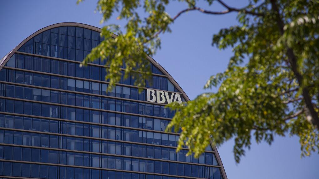 BBVA firma el acuerdo de venta de su participación en su filial chilena a Scotiabank