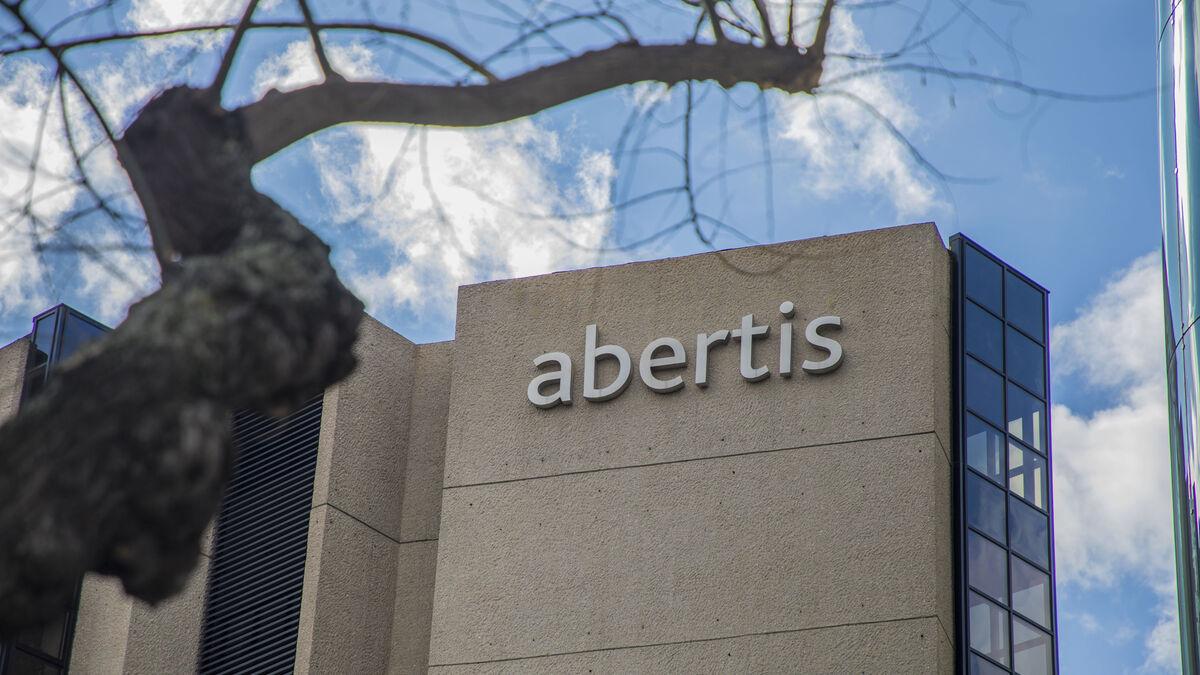 Abertis coloca 750 millones para refinanciar deuda