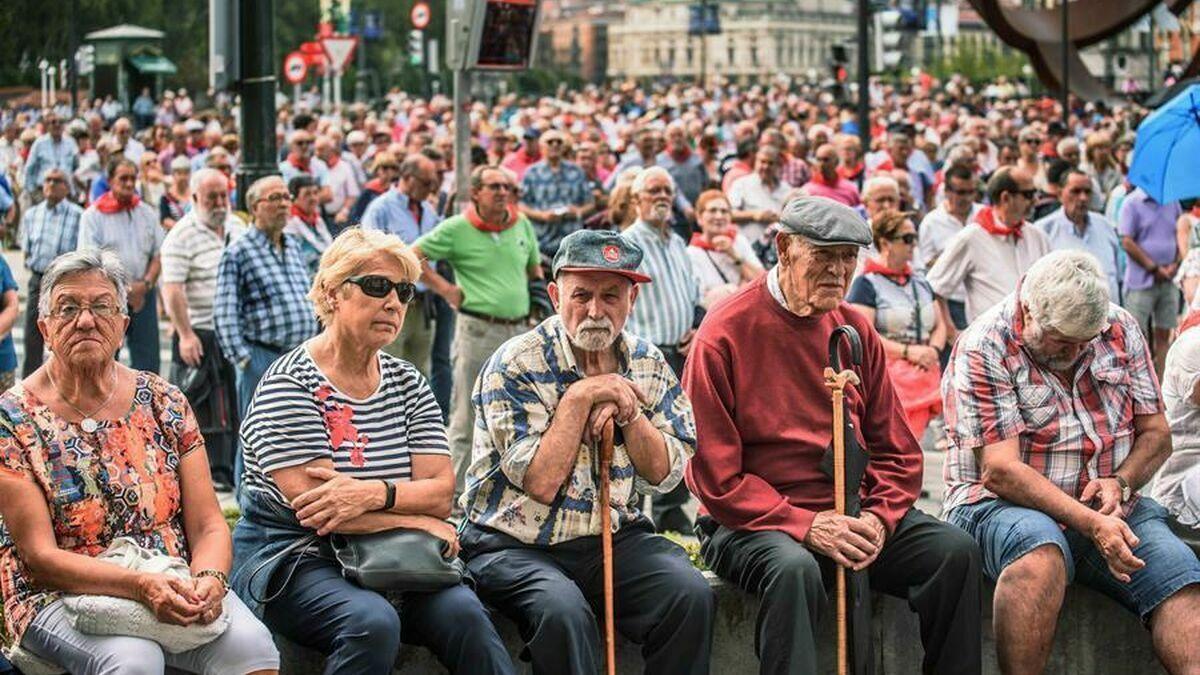 Hacienda recorta la paga extra de Navidad sin previo aviso a 75.000 pensionistas embargados