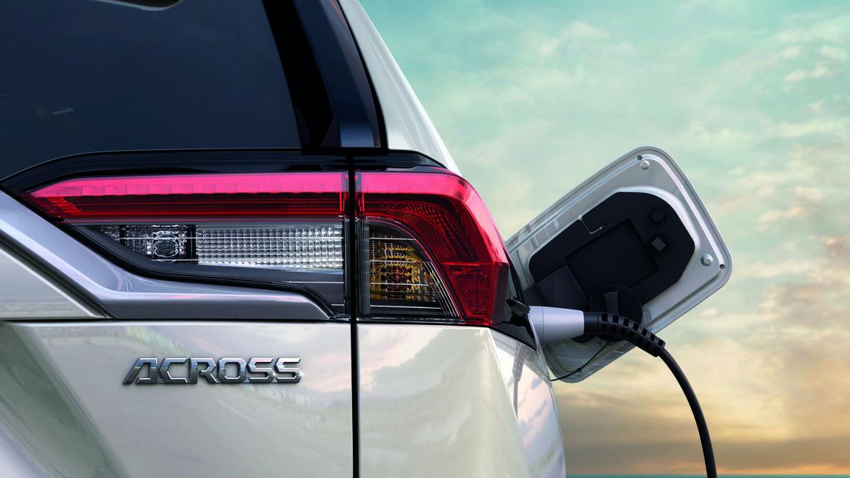 Suzuki venderá modelos híbridos de Toyota para reducir sus emisiones