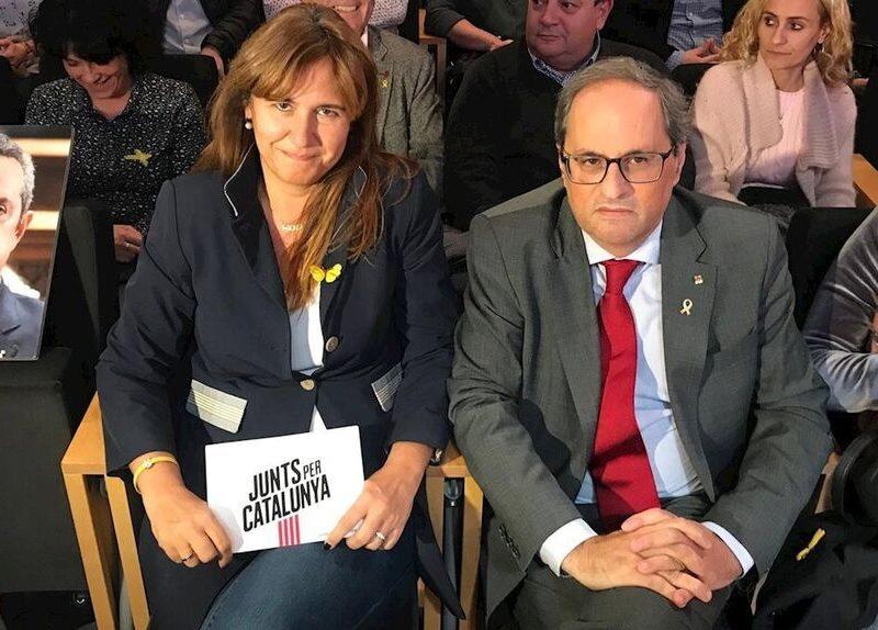 El aparato convergente de Junts se moviliza en el Parlament e intenta debilitar a Borràs