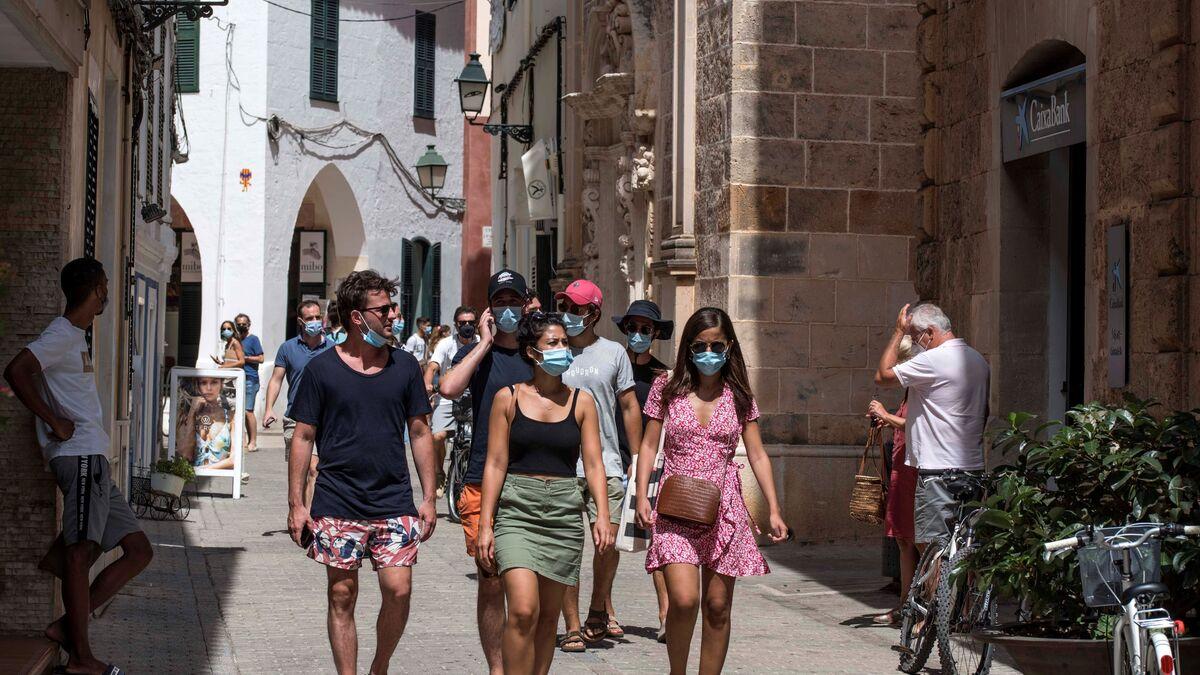 """El sector turístico no tapará su """"agujero"""" este año: las ventas seguirán un 45% por debajo"""
