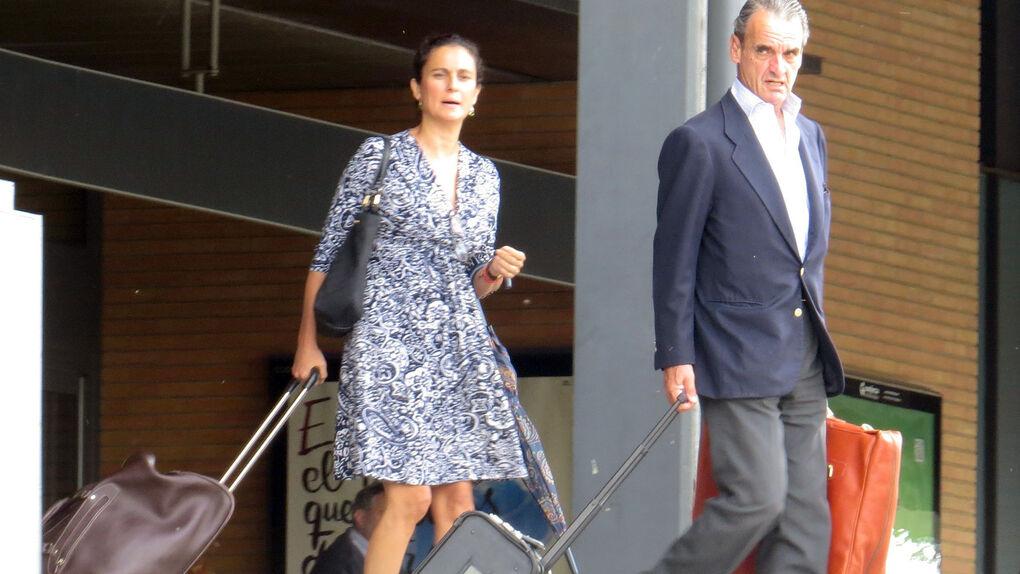 Varias infidelidades y actividades ilícitas: los motivos del divorcio de Mario Conde y Pérez-Ugena