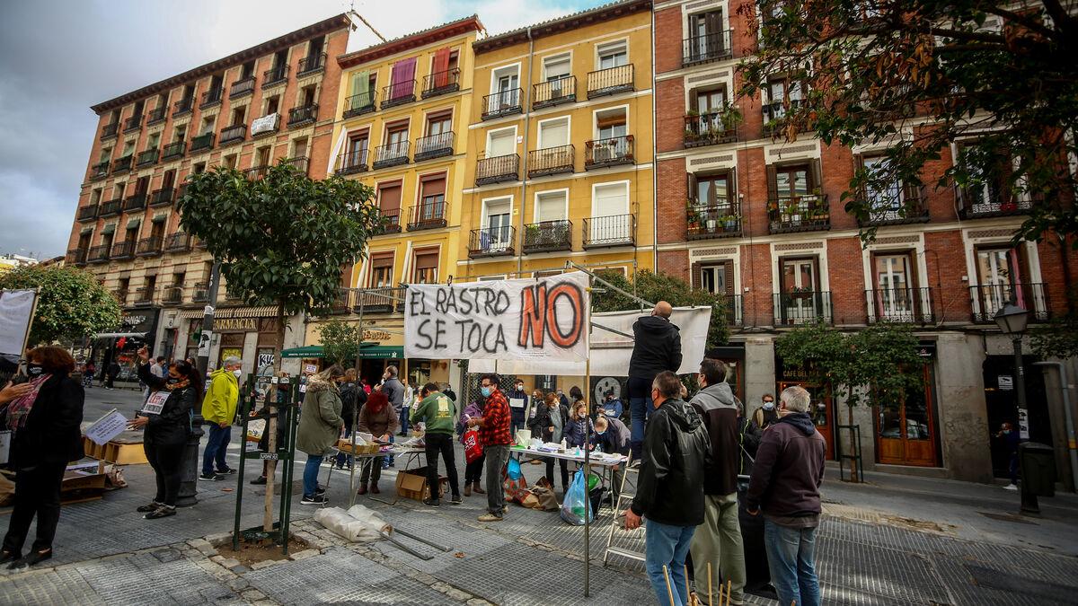 La mitad de puestos y drones para controlar el aforo: así reabrirá el Rastro de Madrid tras ocho meses