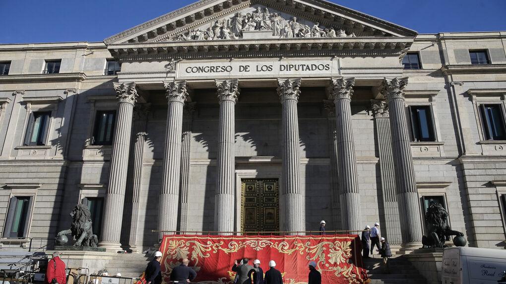 Las Cortes celebran su sesión de apertura tras un año sin Gobierno