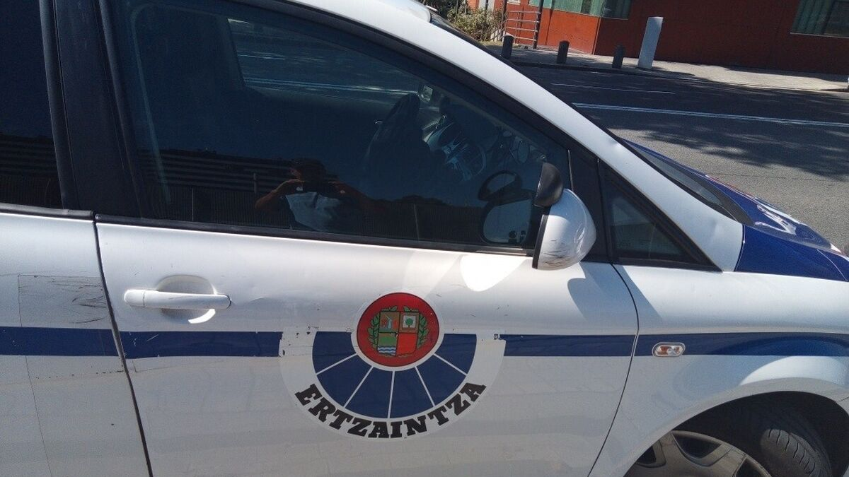 Muere un conductor de 27 años en Erandio (Vizcaya) al caer por un talud