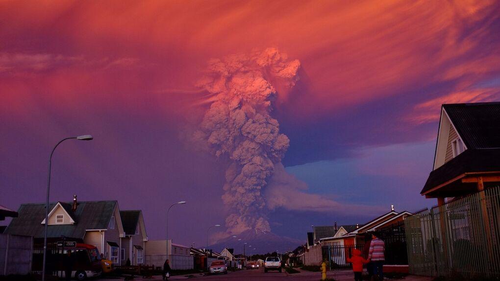 El volcán Calbuco pone en alerta roja el sur de Chile tras 43 años inactivo