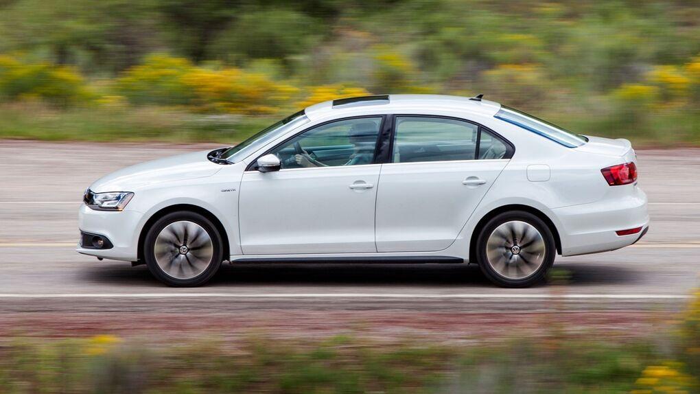 Volkswagen Jetta Hybrid, más coche que el Prius