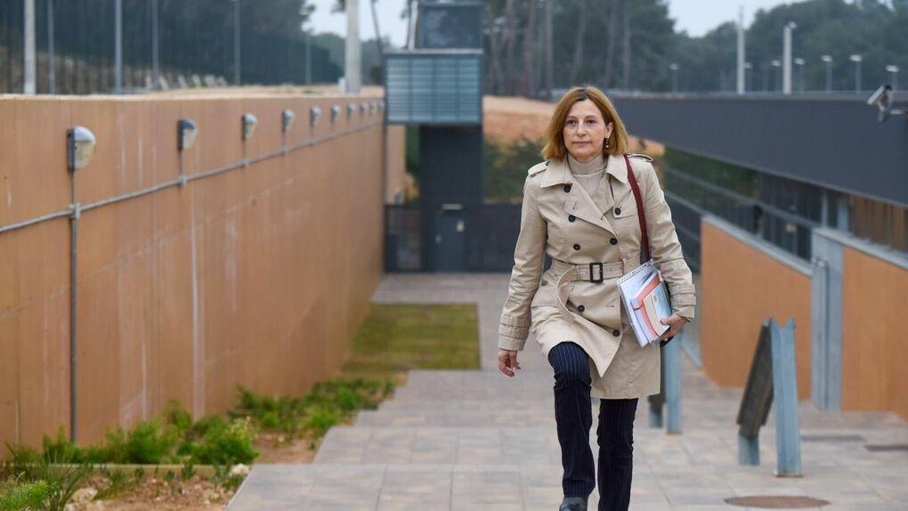 Vox retira su petición de 12 años de cárcel para los compañeros de Carme Forcadell