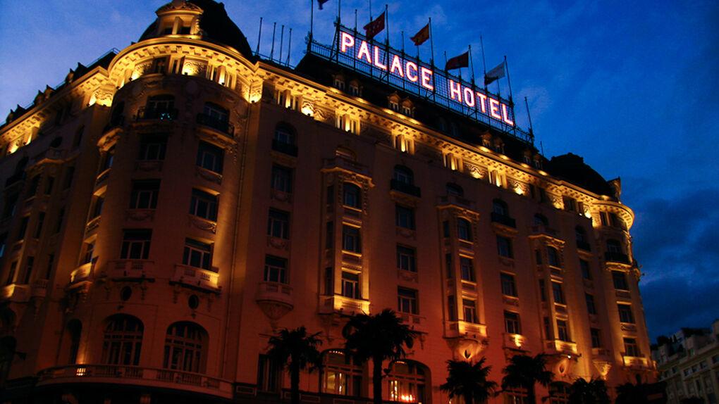 El hotel Palace de Madrid presenta un ERE para 152 trabajadores, el 44% de su plantilla