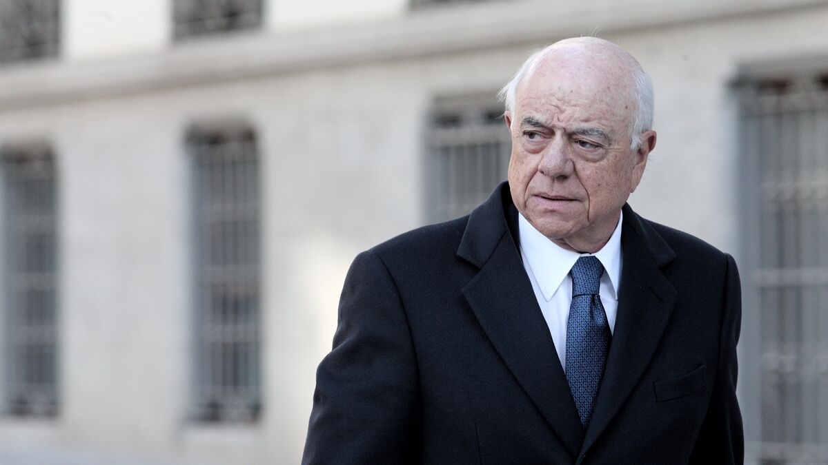 El juez cita de nuevo al investigado del BBVA que implicó a Francisco González en la contratación de Villarejo