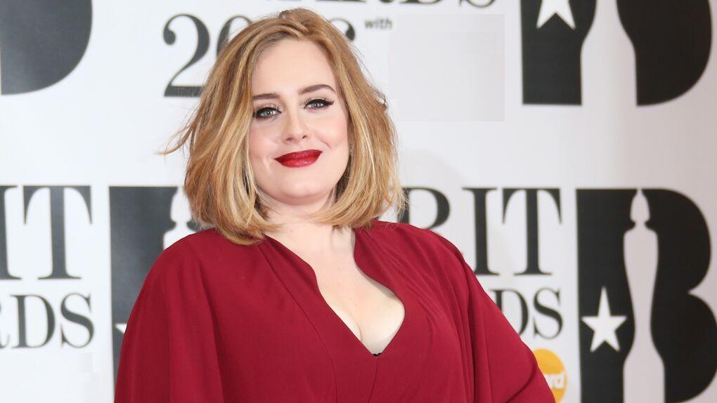 La cantante Adele, irreconocible tras perder 30 kilos