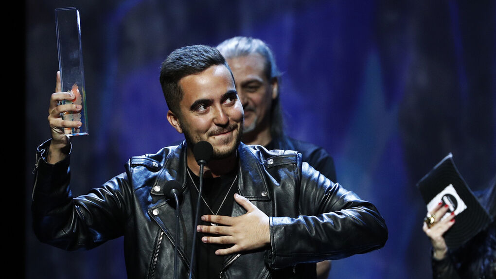 """El cantante Beret, acusado por una fan: """"Quiso aprovecharse de mí siendo menor"""""""