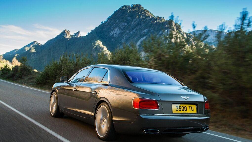 Más lujo y dinamismo para la gran berlina inglesa, que estrena motor de 625 CV