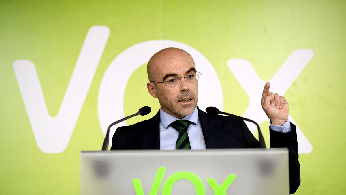 Vox pide eliminar la obligación de llevar mascarilla al aire libre