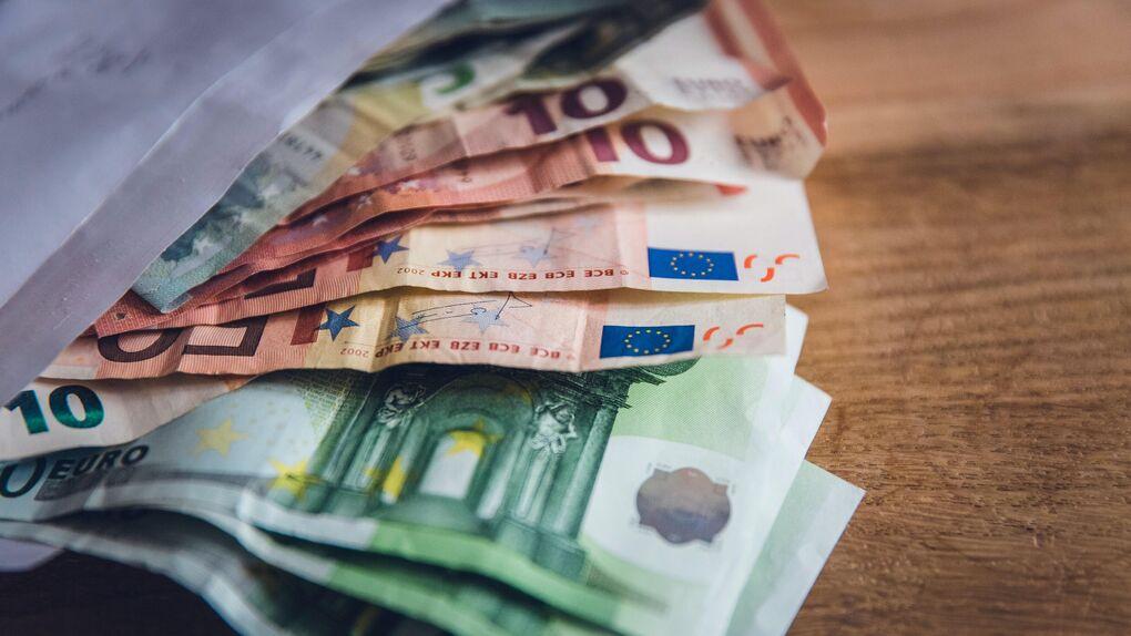 El ahorro de los europeos registró en marzo el mayor aumento mensual de la serie histórica
