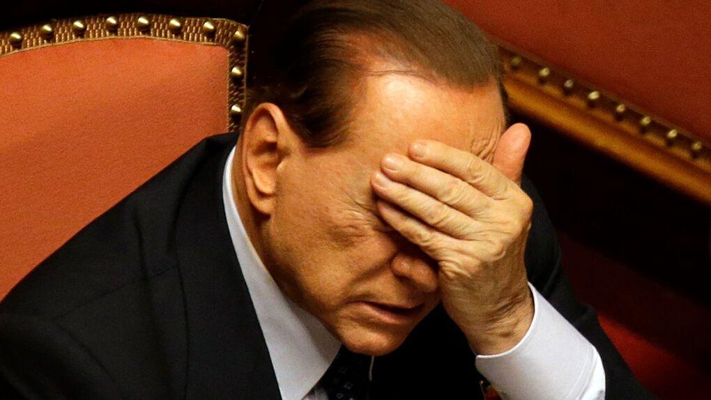 """La acusación contra Berlusconi admite que está """"muy enfermo"""" y aprueba separarle del juicio por soborno"""