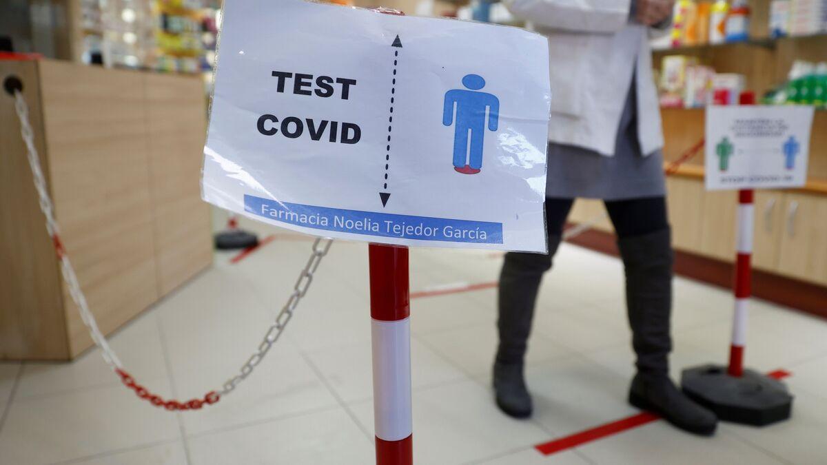 """Las enfermeras denuncian a las farmacias por los test covid: """"No cumplen la normativa"""""""