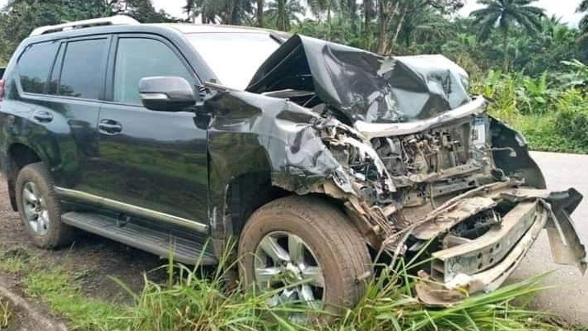"""El futbolista Samuel Eto'o sale ileso de un """"violento"""" accidente de coche"""