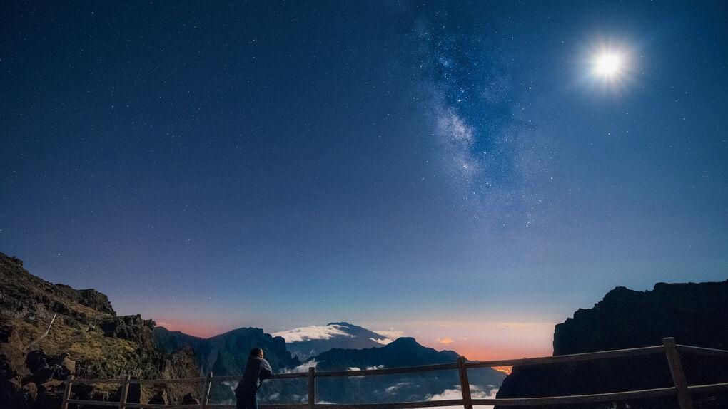 Si te gusta mirar las estrellas apúntate al 'astroturismo'