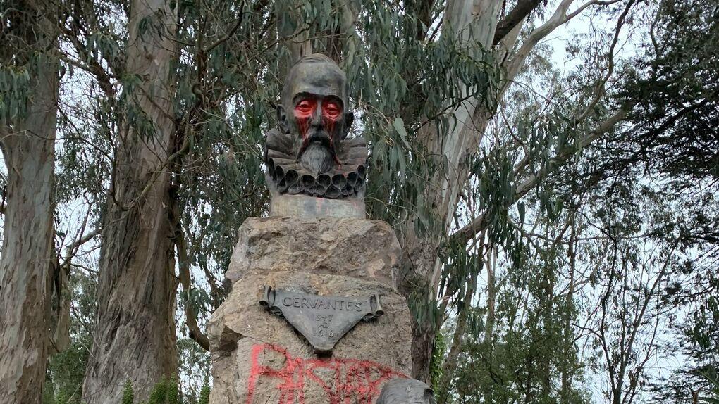 La guerra de las estatuas