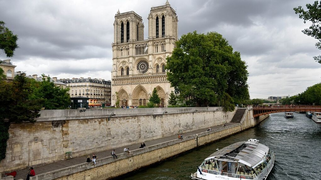 De Notre Dame a Córdoba: por qué las catedrales son del Estado en media Europa y en España pertenecen a la Iglesia