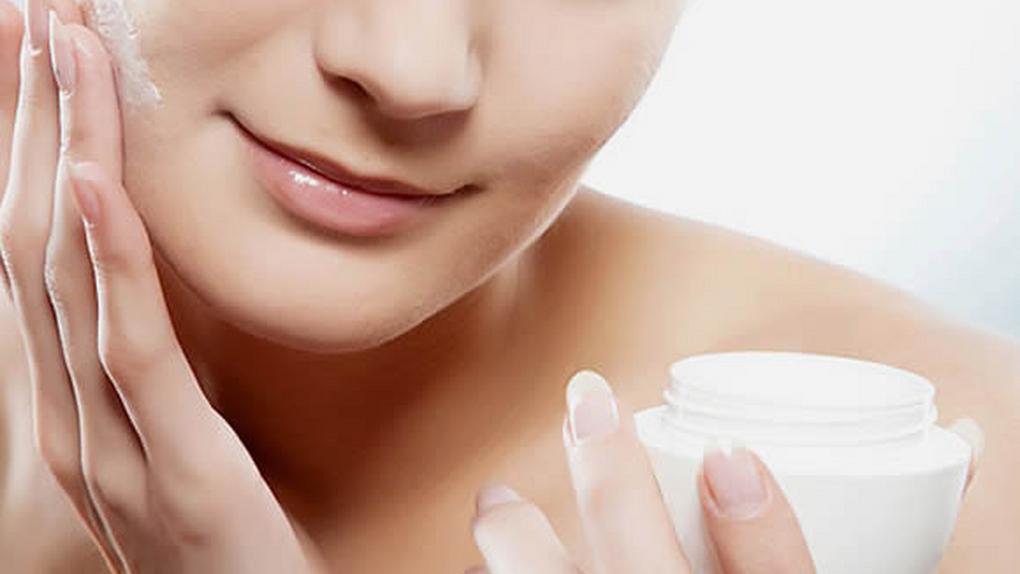Tres ingredientes que no deben faltar en tus cosméticos