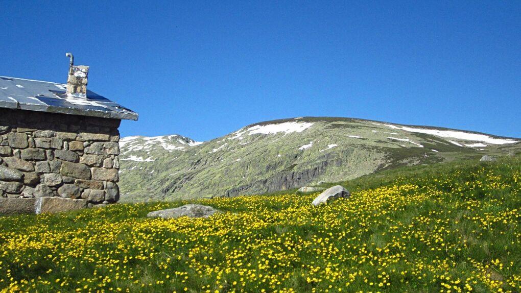 Valle del Tormes, pueblos con montañas de verdad