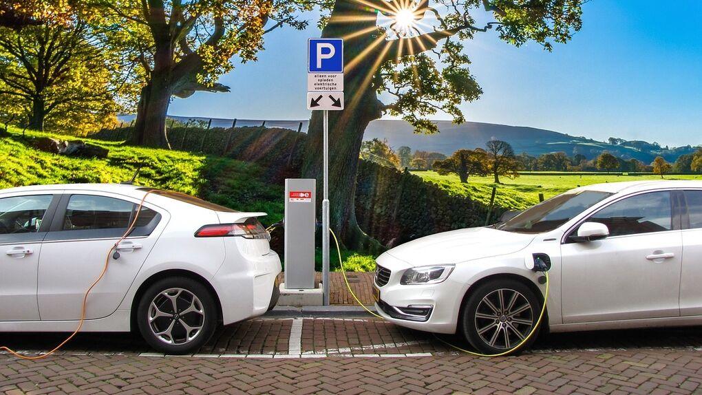Los catalanes costean los descuentos al vehículo eléctrico en los peajes de la Generalitat