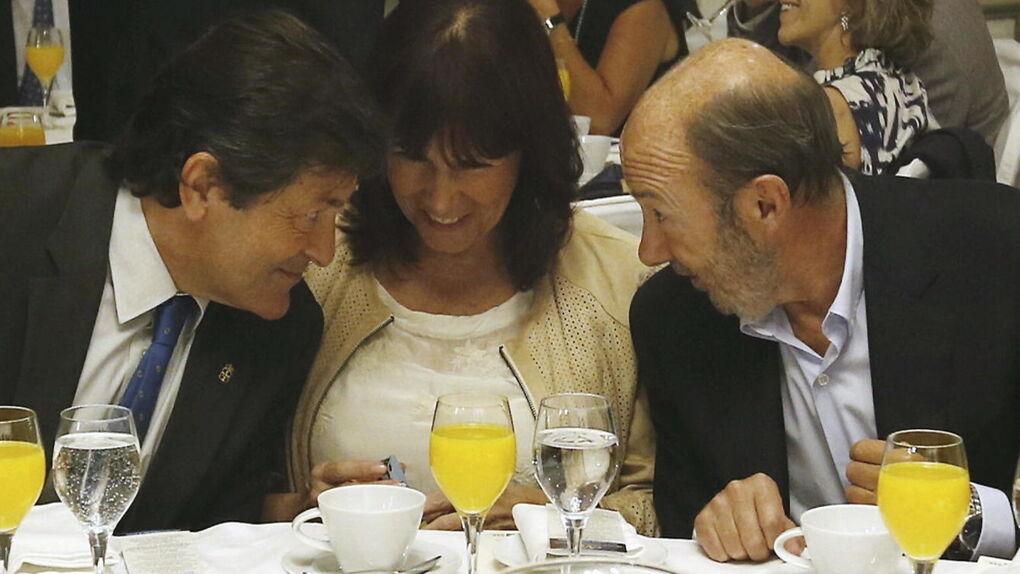 'Operación Rubalcaba' en marcha: Patxi López irrumpe como 'tercera vía' para frenar a Sánchez