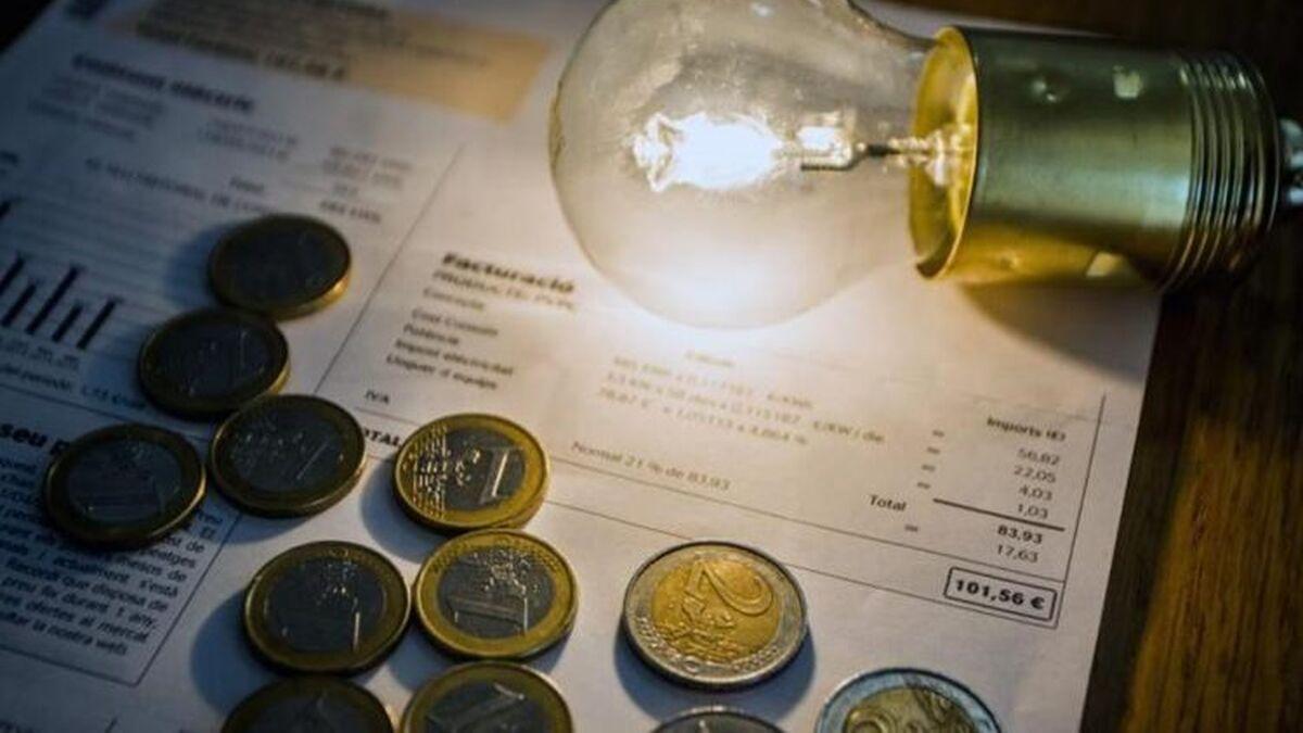 La factura de la luz baja un 21% en febrero, según la OCU
