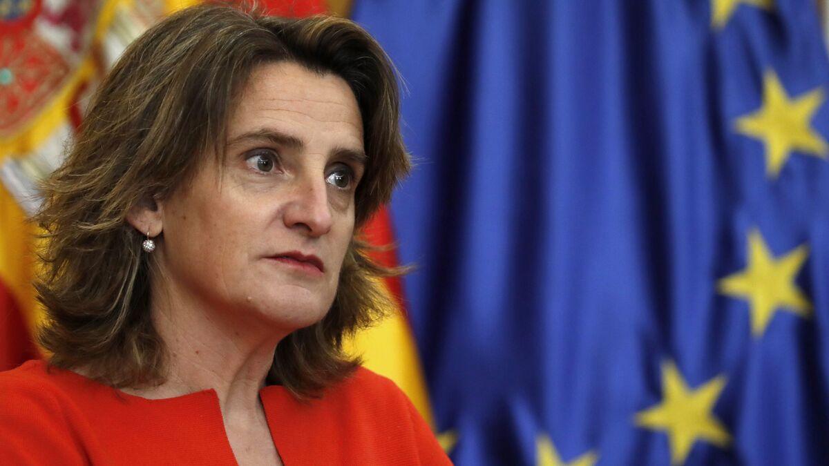 ¿Quién pierde y quién gana con el golpe de Teresa Ribera a las empresas energéticas?