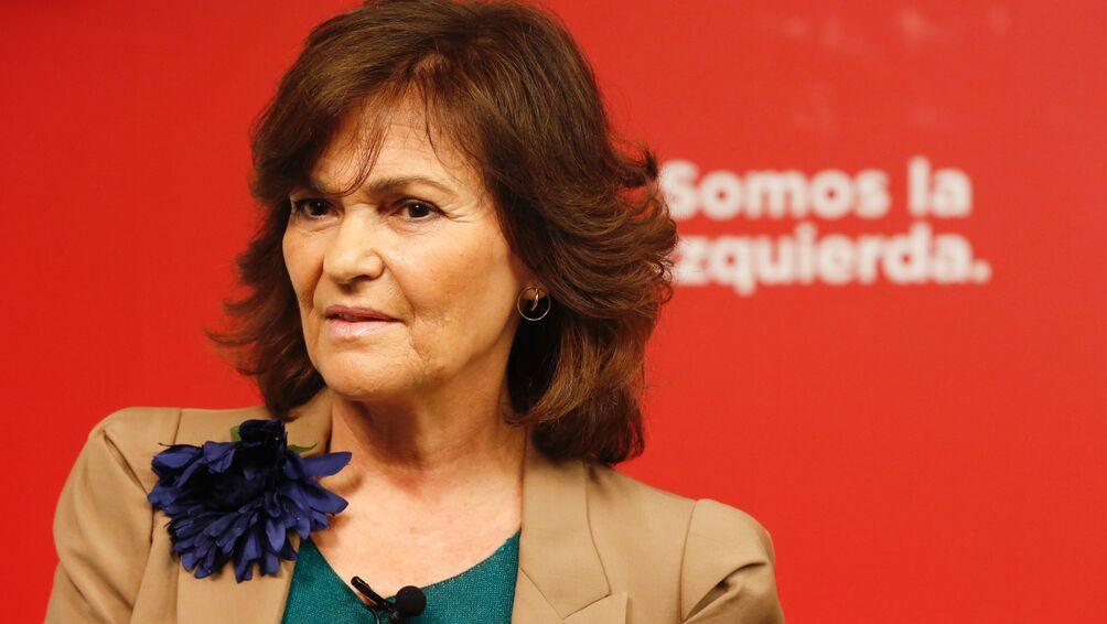 Cuelgan una muñeca ahorcada con la cara de Carmen Calvo por su oposición a la 'ley trans'