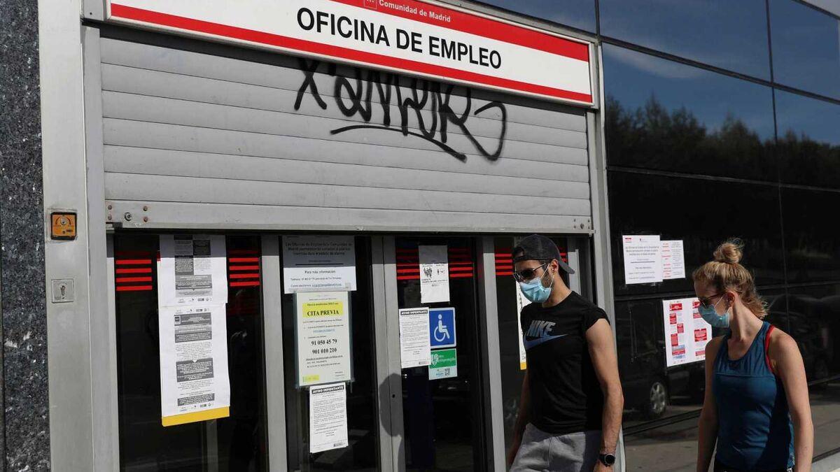 España destruyó 218.953 empleos en enero y los afiliados vuelven a bajar de 19 millones
