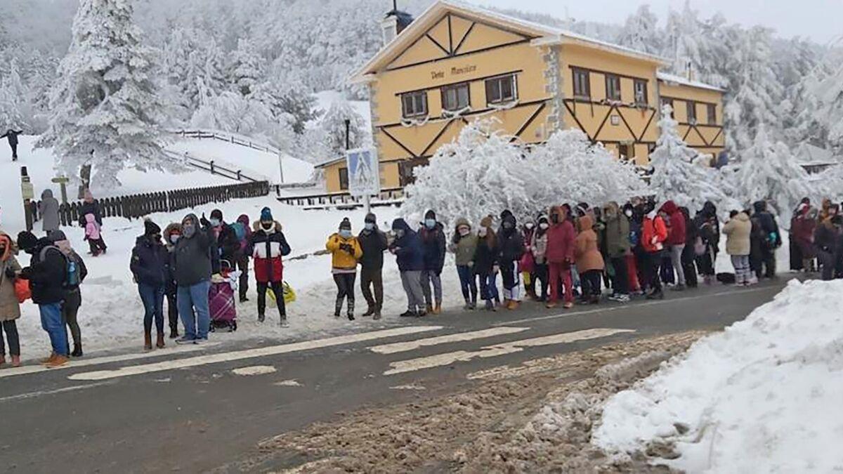 Si estás pensando en ir a la sierra de Madrid a ver la nieve, no lo hagas