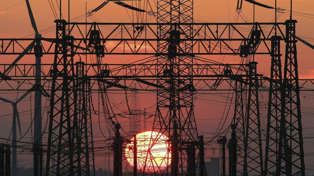La caída del 2,5% en la demanda eléctrica da nuevas pistas sobre la desaceleración