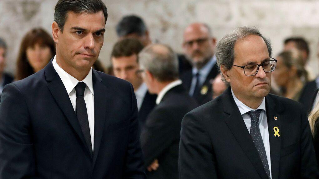 Sánchez apenas le dirige la palabra a Torra en el funeral de Caballé