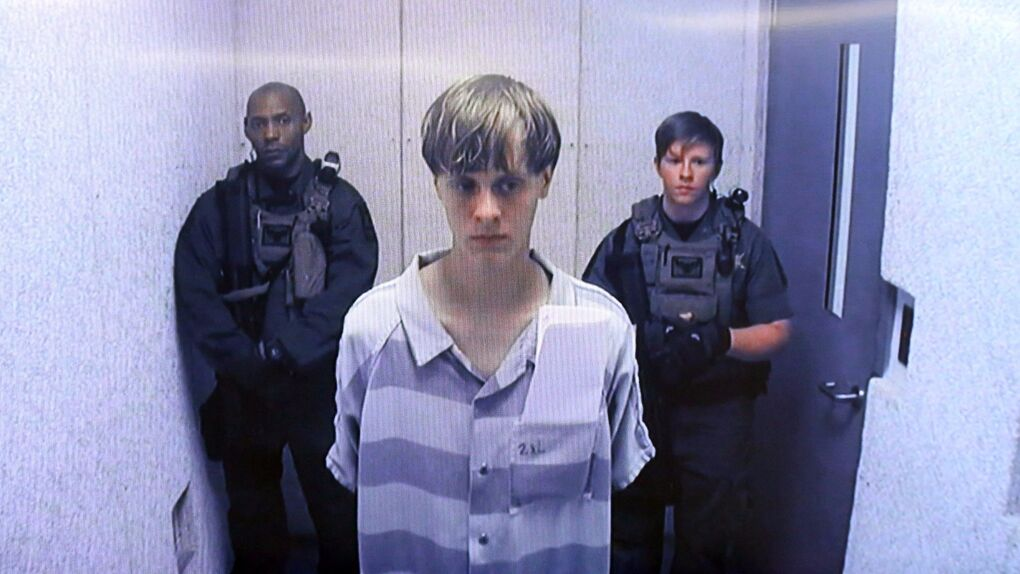 El pistolero de  Charleston pensó en parar la masacre porque estaban siendo amables con él