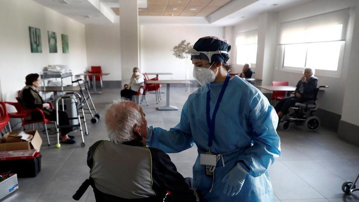 El efecto real de la vacunación: las muertes diarias en las residencias pasan de 66 a dos