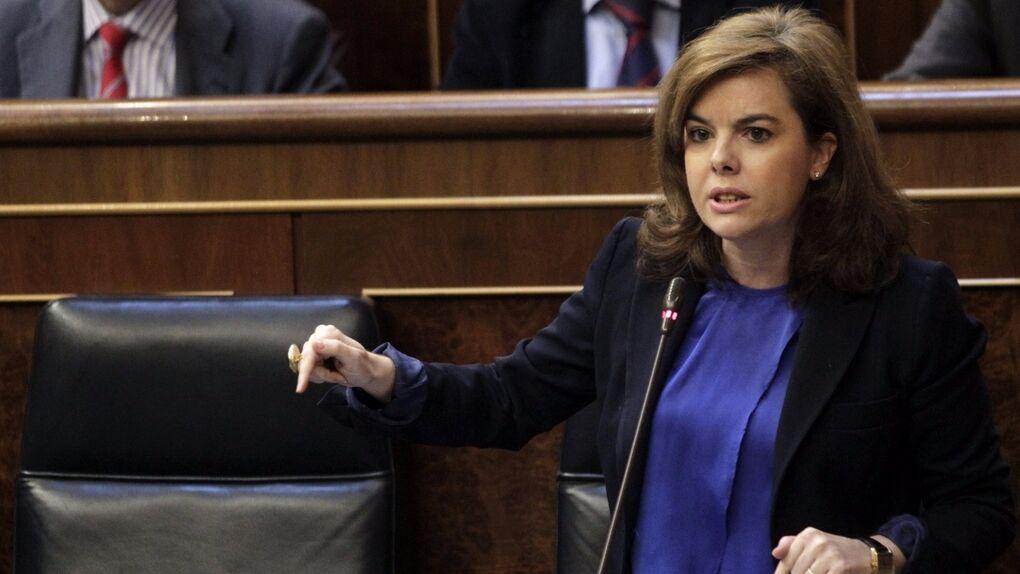 Soraya prepara a fondo el debate de mañana: está en juego la sucesión de Mariano Rajoy