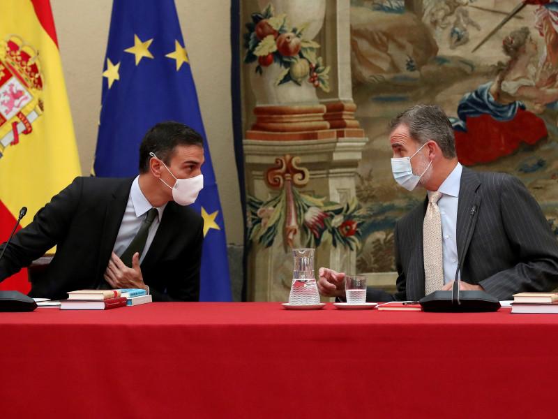 El presidente del Gobierno, Pedro Sánchez; y el Rey Felipe VI.