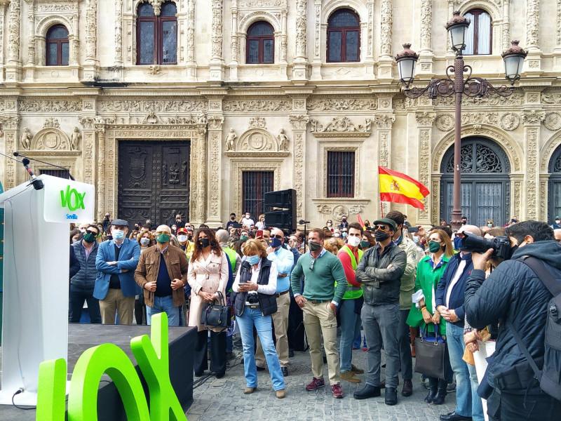 La 'tournée' de Macarena Olona en Andalucía dispara la alarma de una posible candidatura