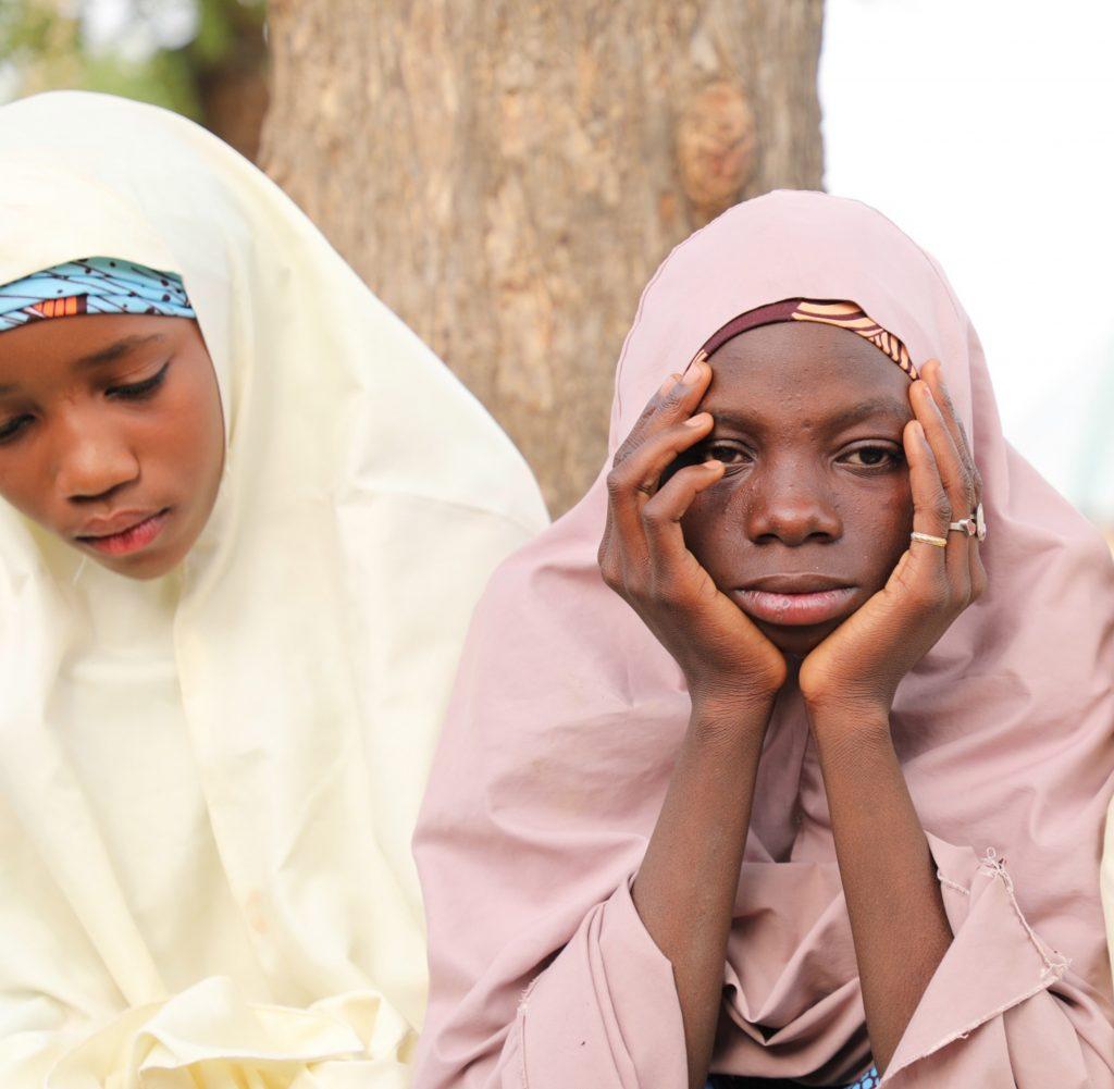 Niñas que escaparon de los secuestradores en Nigeria