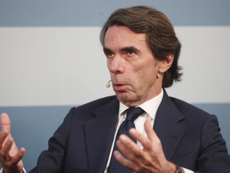 """Aznar ve una situación social """"brutal"""" en España con 6 millones de parados"""