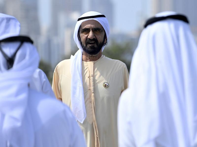 Así se vacuna en Emiratos: gratis, eligiendo sitio y por app