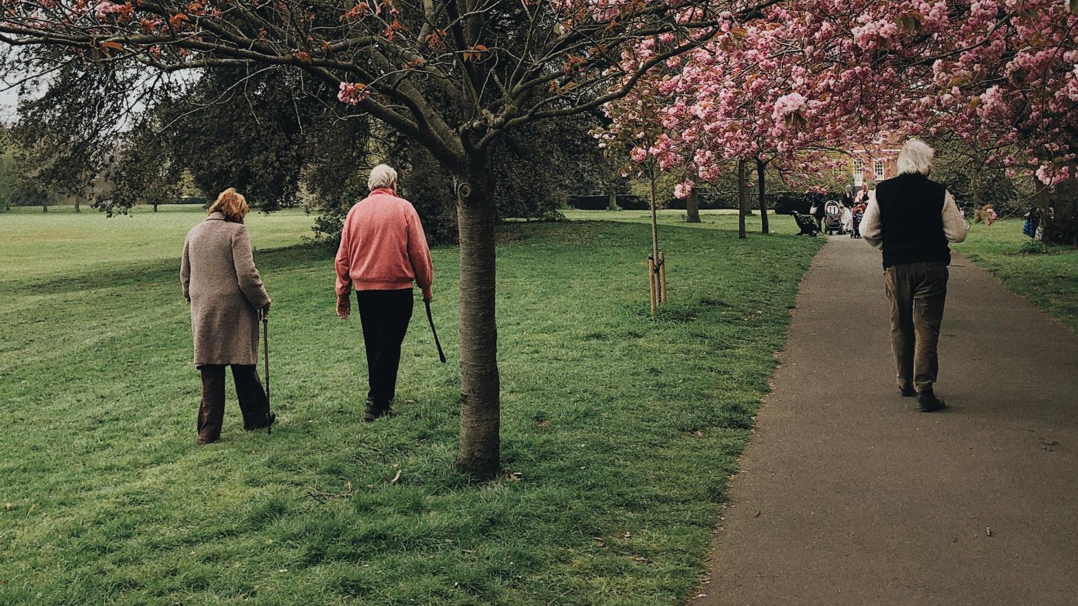 Los contagios en las residencias de ancianos se desploman un 95% en un mes