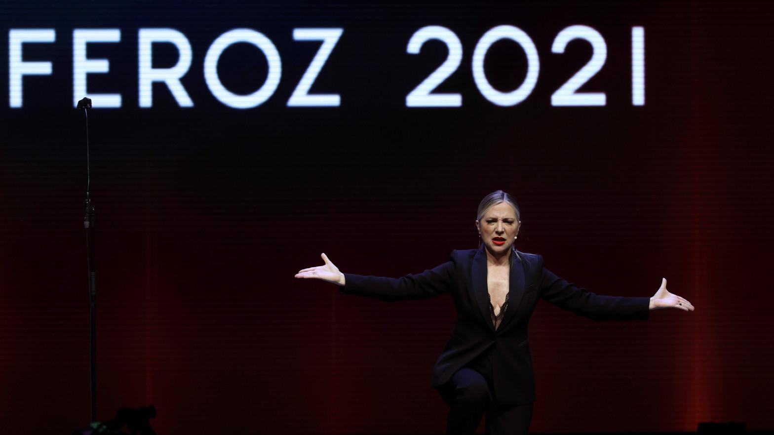 """Críticas en Twitter después de que los Feroz se saltasen el toque de queda: """"Van a dormir en el teatro"""""""